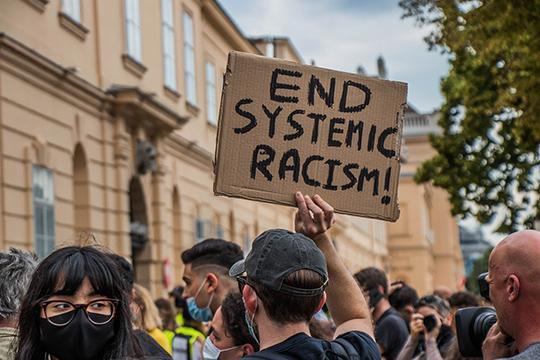 Вдвижение BLM жизнь вдохнули леваки. Неслучайно вовсех демонстрациях ипротестах, которые мывидели, абсолютно везде, отНью-Йорка доСиэтла, более 50% участников были белыми