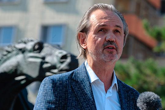 Сам автор памятника Андрей Ковальчук тоже сказал журналистам, что работалось легко. Ну, как тут не согласиться с определением «изге кеше»
