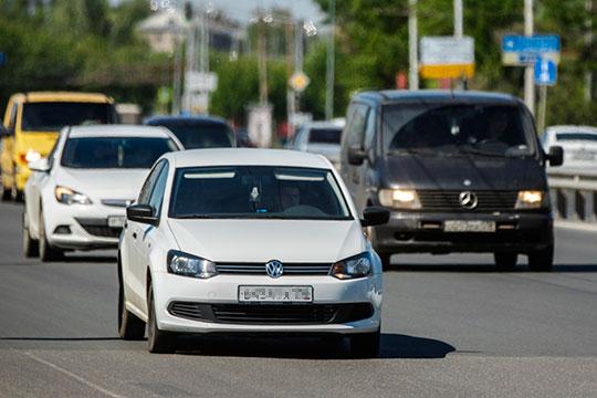 Ворвался во второй эшелон и концерн VW. Его «народный» седан Polo (13) добавил сразу 10,7 тыс. до 22,3 тыс. единиц