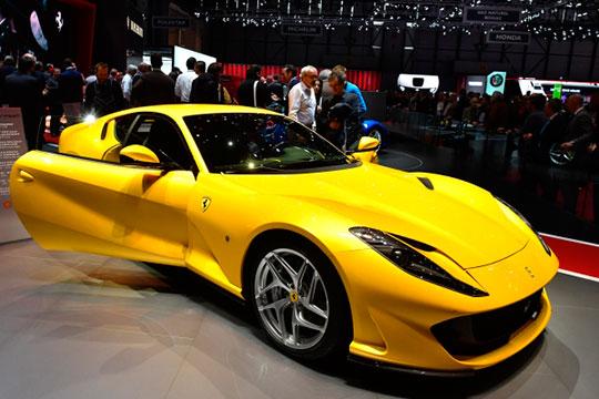 В позапрошлом году в республику прибыла модель легендарной итальянской марки Ferrari 812 Superfast, за которую в салоне просят от 30 млн рублей