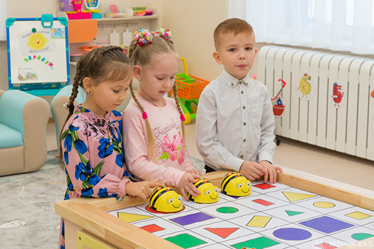 К 2022 году Татарстан намерен также закрыть основную потребность мест в детских садах. Будет создано 10357 новых мест, из них 5050 в яслях