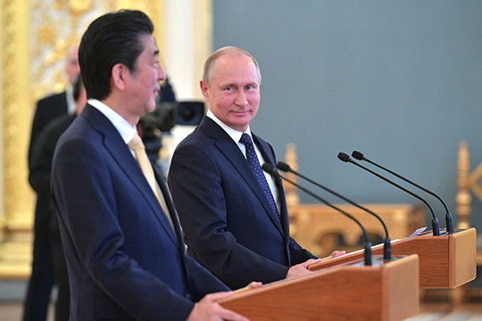 Премьер-министр Японии Синдзо Абэ объявил об уходе в отставку с поста премьер-министра страны. Абэ объяснил это проблемами со здоровьем: у него вновь началось обострение язвенного колита