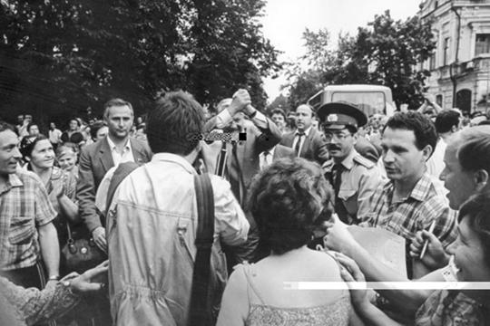 Борис Ельцин на казанской улице