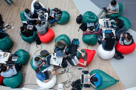 УниверситетИннополиссохранил практико-ориентированный подход вобучении: студенты делают лабораторные работы икомандные проекты