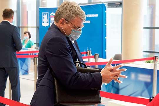 Алексей Созинов:«Риск инфицирования есть увсех ивезде, поэтому главное, кчему мыпризываем,— соблюдать известные меры профилактики. Они ввысокой степени эффективны»
