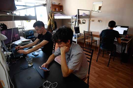 Этим летом студенты иностранцы могли инеуезжать изРоссии— для них оставили места вобщежитиях