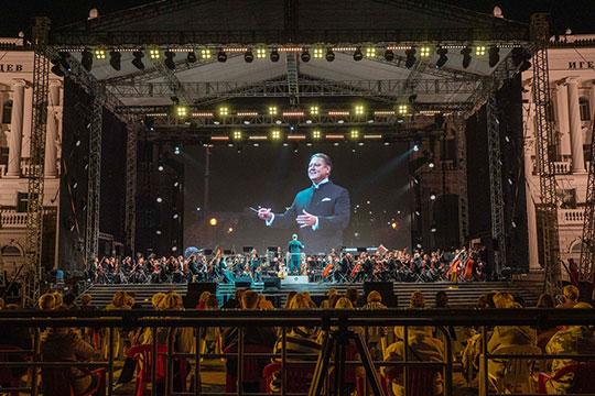 2020 год — поистине юбилейный для ГСО РТ: 55 концертный сезон, 10 лет руководства Сладковским и юбилей самого Сладковского в октябре