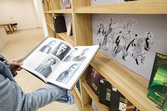 Сейчас в НКЦ перевезено лишь около 50 тыс. экземпляров книг, так что, по большому счету, выдавать пока нечего