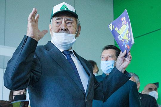 Минтимер Шаймиев:«Учитель— следующий, после отца иматери, кто делает изнас человека»