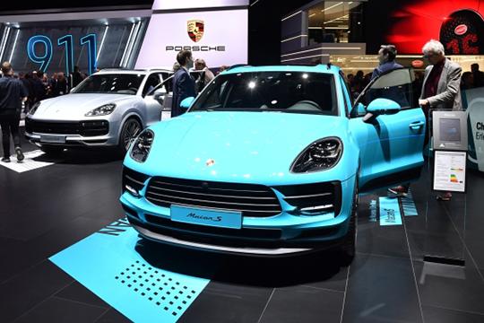 Обзор тех, кто круто прибавлял, был бы явно не полным без очередного любимчика татарстанского бомонда Porsche, который поднял свой рейтинг в РТ на 14 позиций до 86 регистраций