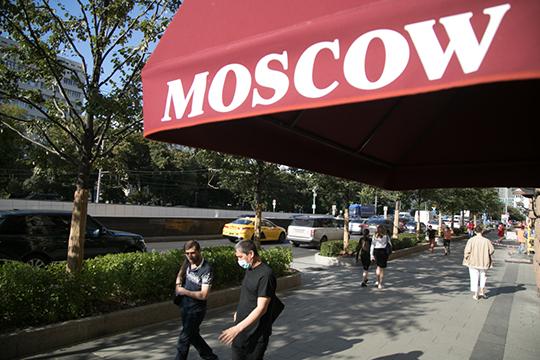 «До последнего времени Россия — это если не друг, то очень близкий партнер. Кстати, многие белорусы ездят на работу в Россию, для них определенное благо»