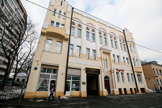 Руководитель РОО-ТНКА Фарит Фарисов подтвердил в беседе с корреспондентом «БИЗНЕС Online», что республика действительно участвует в финансировании Дома Асадуллаева