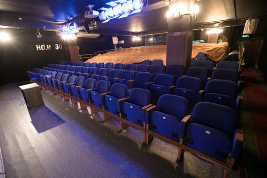 Если верить данным с сайта госзакупок, за эти годы через ГБУ «Центр культурного наследия Татарстана» на содержание здания бывшего кинотеатра из бюджета Татарстана потратили около 13 млн рублей