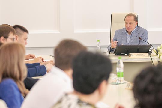 Список «Единой России» ожидаемо возглавляет мэр Айдар Метшин