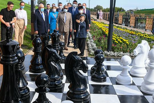 «Видела, что в Актанышском районе появился арт-объект «Шахматы». На самом деле Минтимер Шарипович многое сделал для шахмат, я ему благодарна за поддержку»