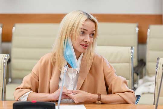 АлинаГималтдинова(210тыс. подписчиков): «Мой старший сын— школьник, иотнего явижу интерес кпроцессам. Думаю, участвуя внем сама, смогу дать ему ответы»