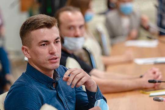 Ильназ Габидуллин(184тыс.подписчиков) сообщил, что с2011 года живет встолице республики, ипоинтересовался, можетли быть наблюдателем народине— вКукморе, икаковы его обязанности