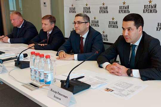 Новым директором пивзавода «Белый Кремль» стал Ильдар Залаков (справа). Сегодня его представил коллективу гендиректор АО «Татспиртпром» Руслан Максудов