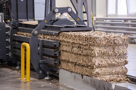 Из300 тонн собираемых бумажных отходов около 60 тонн перерабатывается наплощадке «Буматики» вэковату, остальной объем поставляется напереработку картонно-бумажным комбинатам