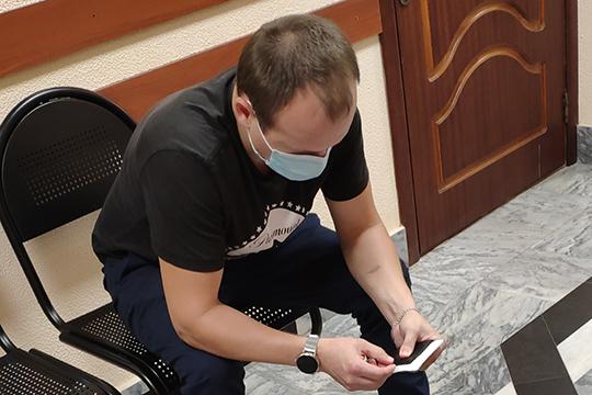 В случае с третьим еще одним фигурирующем в деле призывником Дамиром Фахрутдиновым (на фото) что-то пошло не по плану. В 2016 году ему озвучили ценник уже в 150 тыс.рублей. Тот сразу заявил — такой большой суммы нет