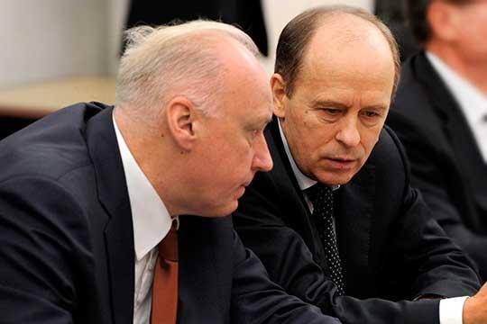 Александр Бастрыкин (слева) иАлександр Бортников подписали документ, в которомсодержится ряд новых предписаний для сотрудников правоохранительных органов при расследовании дел вотношении бизнесменов