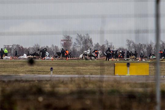 Дальше было крушение «Боинга» в Казани — погибло 50 человек. Вторая крупнейшая транспортная трагедия за три года на должности министра подняли волну негодования в адрес Сафина
