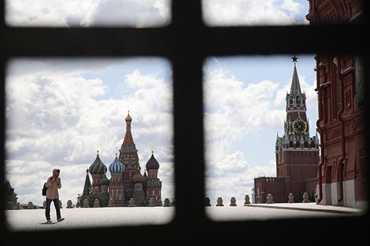 «Сейчас кадровая политика Кремля такова, что губернатор — это, как правило, внешний менеджер, своего рода руководитель филиала корпорации, на момент назначения не связанный с территорией и местными элитами»