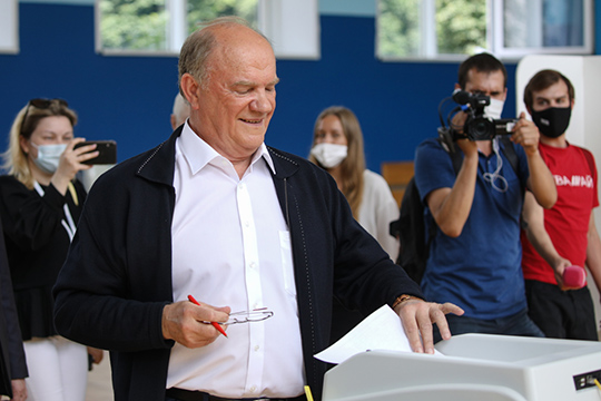 «Призыв Зюганова голосовать против Конституции стал неприятным сюрпризом для Кремля и вместе с тем сигналом самим партийным активистам на местах и избирателям, что КПРФ — это реальная оппозиция»