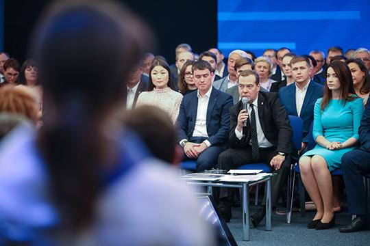 «Где бы были все новые партии, если бы весной прошла поправка о досрочных выборах и сейчас Кремль занимался не раскруткой новых партий, а кампанией «Единой России» в Госдуму?»