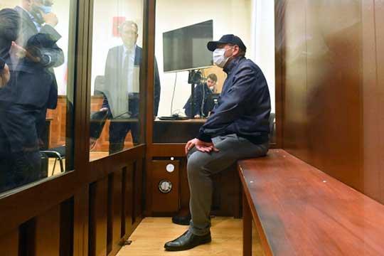 Наэтой неделе арестован замминистра энергетикиАнатолий Тихонов, которого обвиняют вхищении более 600млн рублей