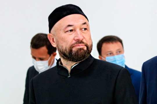 Тимур Бекмамбетов озвучивал бюджет своего блокбастера «Девятаев», который частично будет сниматься в Татарстане, — более 600 млн рублей. Так что о большом национальном фильме можно точно не думать