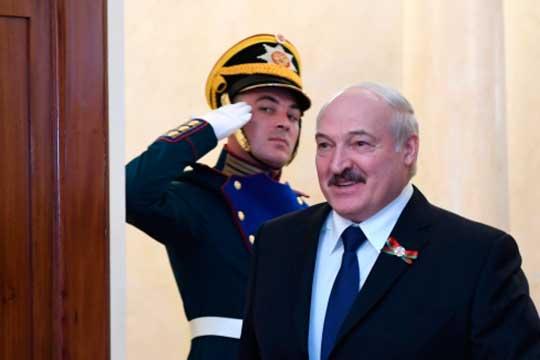 «Для Лукашенко это сложно: ему ведь уже не верят. И ему нужно доказать: «Ребята, ну ладно, я уйду. Вы считаете, что после этого вам лучше будет?»