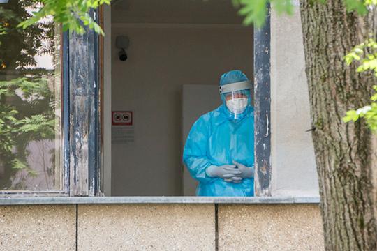 Пандемия продемонстрировала, что Челнам остро не хватает квалифицированных медицинских кадров. Обеспеченность медперсоналом составляет от 50 до 80%