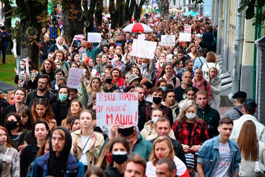 «Белорусские протесты напугали осторожных лоялистов тем, что у нас, не дай Бог, тоже что-то такое произойдёт»