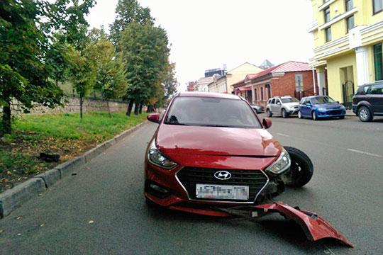 Столкнулся Игнатьев с автомобилем 29-летней сотрудницей одного из банков Анастасией Долгополовой. Она, по предварительной версии, была за рулем своего красного Hyundai Solaris