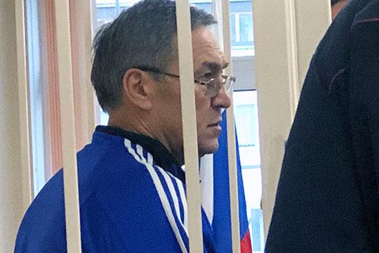 Приволжский районный суд Казани во вторник продлевал арест фигурантов резонансного «дела МЧС РТ». Уголовное преследование Насибуллина началось весной этого года.