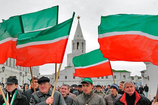 В 1989 году возникает татарский общественный центр (ТОЦ), который сразу выдвигает довольно продуманную и системную программу культурного развития, ставившую задачей ускоренное развитие элементов культуры