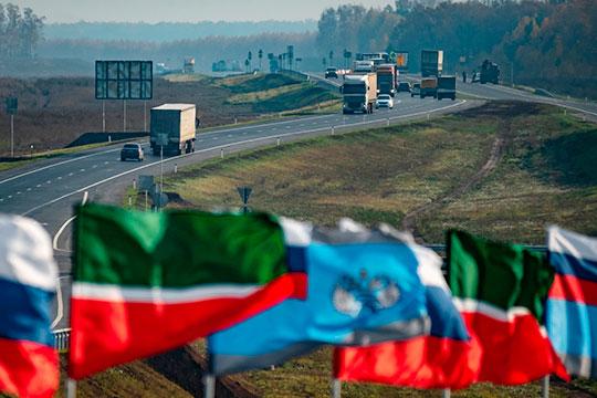 Пока жители ряда поселков Лаишевского района протестовали против планов по строительству автобана «Москва — Казань» (М-12) вблизи их домов, вопрос о прохождении трассы, похоже, был решен