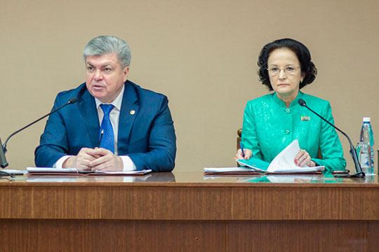 На этой неделе покинула свое кресло вице-мэр Челнов, непотопляемая Флера Андреева