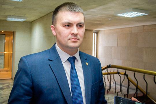 На почетную пенсию могут провдоить в ближайшее время главу Росприроднадзора по РТ Фарита Хайрутдинова. Его возможным приемником может стать Фаяз Шакиров (на фото)