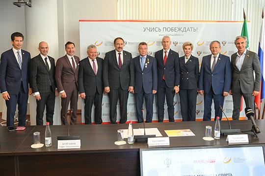 Ряд собеседников «БИЗНЕС Online», знакомых с ситуацией, также ждут, что Бурганов усилит взаимодействие академии со спортивными организациями — в первую очередь в Татарстане
