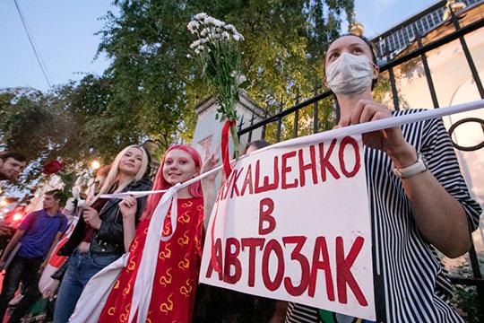 «Абсолютно бессмысленно былобы сейчас убивать Навального. Причём вситуации, когда раскачивается лодка вБеларуси»