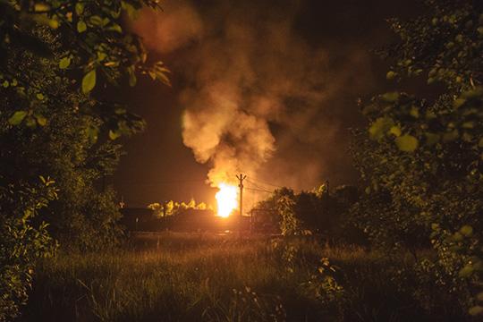 Выжившие в результате взрыва на базе сотрудники во время опроса насколько могли, восстановили последовательность событий того вечера. У них не получилось перекрыть кран, через который пошел газ. А после началась паника