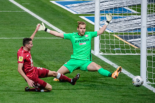 Денис Макаров: «Рубин» спокойно может в этом сезоне бороться за чемпионство, у нас прекрасная линия атаки, центр поля и линия обороны»