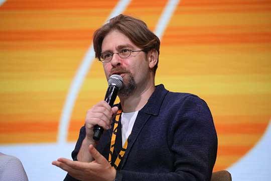 Александр Крайнов:«Все научились торговать вонлайне, люди научились получать услуги вонлайне, грамотность населения выросла очень сильно»