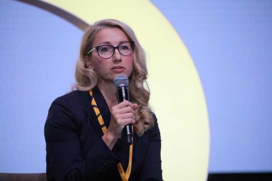 Кристина Тихонова:«Если компания может поддерживать культуру ивовлекать людей вудаленном формате, топроблема вдругом: как сотрудникам остановиться. Работа превращается в24/7»