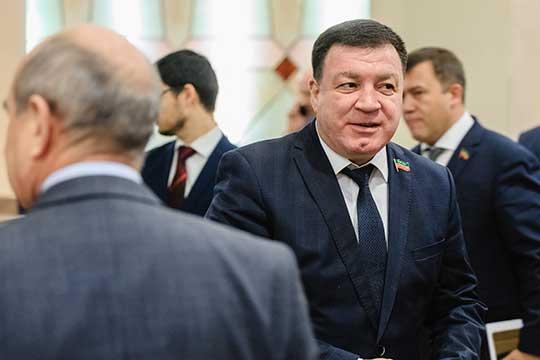 Марсель Мингалимов (6)продолжает активно застраивать землю, полученную запомощь дольщикам