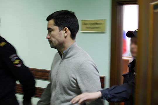 Несмотря на обвинения, отделался Мингазов «легким испугом»: суд оправдал его поряду статей иприговорилк4 споловиной годам условного срока