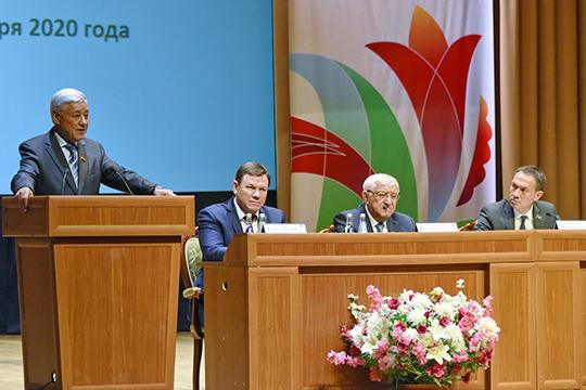 Первая после выборов сессия совета района состоялась накануне в Альметьевске. Обновленный на 43% состав депутатов собрался в ДК «Нефтьче»