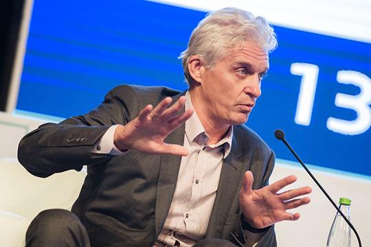 Сделка по продаже «Тинькофф банка» произошла очень вовремя для его основателя — Олега Тинькова. В начале 2020 года стало известно о претензиях американских налоговых служб в его адрес